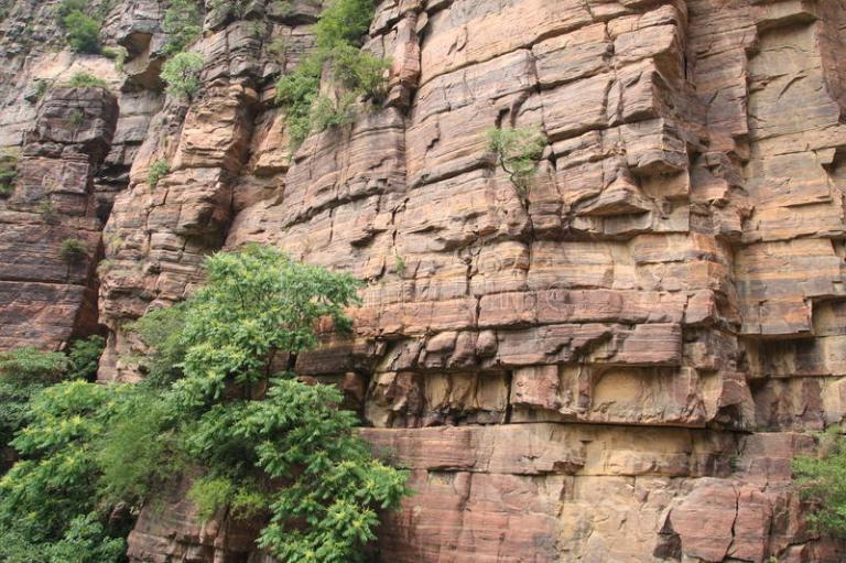 taihang-красного-цвета-горы-скалы-фарфора-16043992